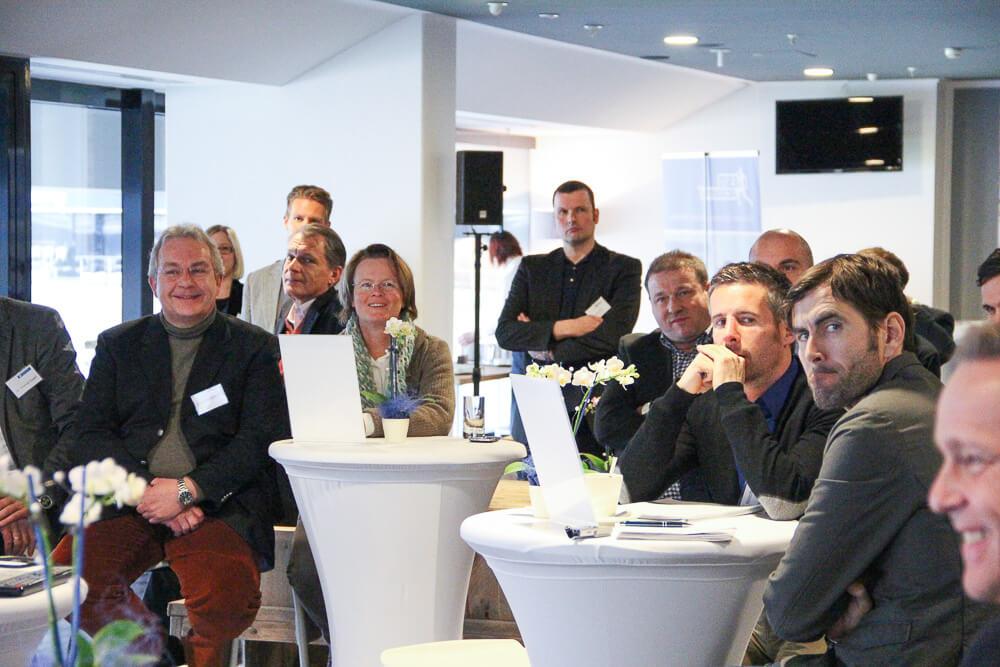 """Spielerberater, Sportdirektoren, Studenten und Absolventen bei der Veranstaltung """"Sports meets Management"""""""