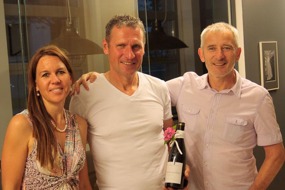 Daniela und Thomas Roßberger bedanken sich bei Reiner Geyer für den Fachvortrag.