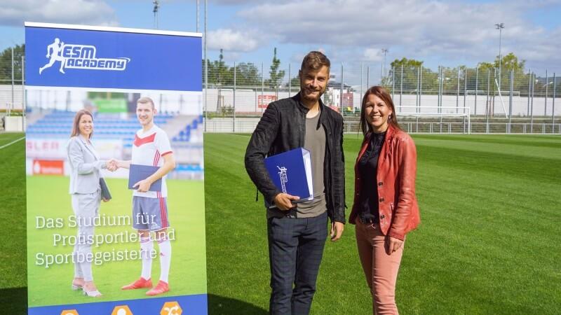 Alexander Hack profitiert als erster Spieler von der Bildungspartnerschaft mit dem 1. FSV Mainz 05
