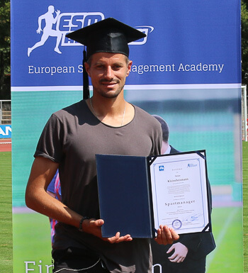 Stefan Kleineheismann ist Sportmanager.