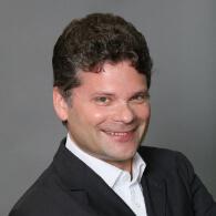 Unser Dozent für Sportmanagement ist Dr. Alexander Dworak.